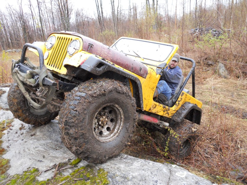Jeep CJ 7 rock ledge 38 boggers
